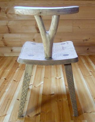八ヶ岳の手作り木製品【背もたれつき椅子】作品No.003